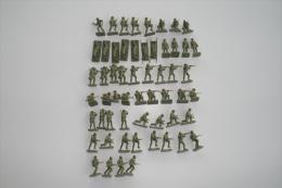Airfix WW2 British Infantery, Scale HO/OO, Vintage - Figurines