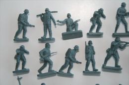 Airfix WW2 German Troops ???, 48 Pc, Scale HO/OO, Vintage - Figurines