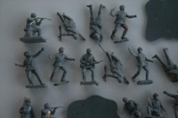 Airfix WW2 ???, 48 Pc, Scale HO/OO, Vintage - Figurines