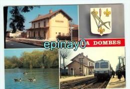 B - 01 - VILLARS LES DOMBES - La Gare Avec Son Train - Ligne BOURG EN BRESSE - Villars-les-Dombes