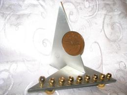 1948-1998 IDF Israel Jubilee Hanukkah Menorah Lamp With Medal - Militaria