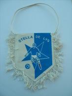 FANION FOOTBALL STELLA DE LYS - Apparel, Souvenirs & Other