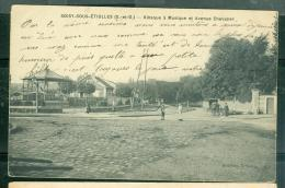 Soisy-sous-Étiolles, Kiosque á Musique Et Avenue Chevalier   - Daj52 - Otros Municipios