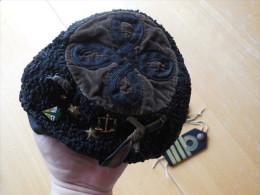 BELGE - BELGIQUE - ANNEES 50 - COIFFE POUR ETUDIANT - Headpieces, Headdresses