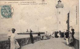 Thematiques 44 Loire Atlantique Saint Nazaire Bateaux Phare La Vieille Jetée Et Le Môle Le Transatlantique La Navarre - Saint Nazaire