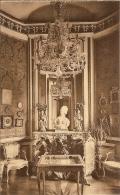 BELOEIL-CHATEAU-BOUDOIR-STATUE DE MARIE-ANTOINETTE-LUSTRE EN CRISTAL-éclairage