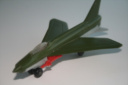 Matchbox Lesney SB21-A1 Lightning, Skybusters, Issued 1976, Scale : 1/64 - Matchbox