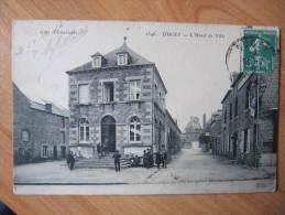 CPA C  50  DUCEY  HOTEL DE VILLE   ANIMEE E.L.D 1346 COTE D EMERAUDE - Ducey