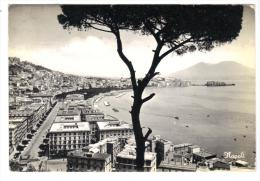 228/600 - NAPOLI , PANORAMA . Viaggiata Nel 1963 - Napoli
