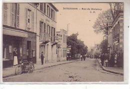 92 ROBINSON - Rue De Malabry - Animé Garçon De Café Devant Le Restaurant , Moto Le Long Du Trottoir - France