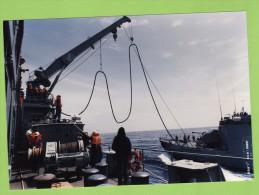 Aviso A69  Cdt BIROT Et TCD FOUDRE En Ravitaillement A La Mer, Année 90, 18,4 X 12.7 Cm - Boats