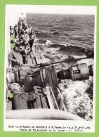 Frégate DE GRASSE En Ravitaillement A La Mer, Année 77, 17,8 X 12.7 Cm - Boats