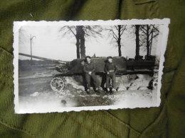 ALLEMAND / ANGLAIS / WW2 - PHOTO CHAR / PANZER / AVEC SOLDATS ANGLAIS - 1939-45