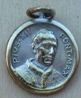 Med-0224 Médaille Ancienne Pivs XII Au Dos Anno Santo Roma - Godsdienst & Esoterisme