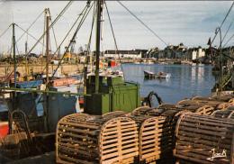Thematiques 44 Loire Atlantique Le Croisic Un Coin Du Port Bateaux A Quai Casiers Ecrite Timbrée 24 08 1974 - Le Croisic