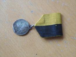 BELGE - BELGIQUE - WW1- MEDAILLE DE LA VILLE DE NAMUR A SES BRAVES - Belgium