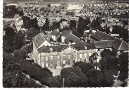 En Avion Au Dessus De Versailles. La Maison Des Petites Soeurs Des Pauvres - Versailles