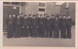 PHOTO ORIGINALE  39 / 45  WW2 KRIEGSMARINE MARINS ALLEMANDS L EQUIPAGE EN SORTIE CARTE PHOTO - Krieg, Militär