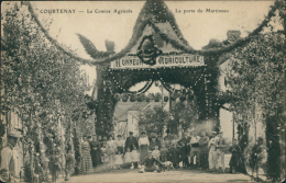 45 COURTENAY / Le Comice Agricole, La Porte Du Martineau / - Courtenay