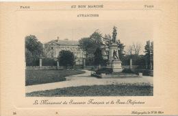 AVRANCHES - Le Monument Aux Morts Et La Sous Préfecture - Avranches