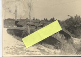 Champagne Tank Anglais Capturé Et Détruit Photo  WWI Ww1 14-18 1.wk 1914-1918 Poilus - Guerre, Militaire