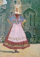 Thematiques Brodées Folklore Région Costumes Bretons Editions Artistique De France 22 Dinan Les Cartes Rout'matic Rennes - Embroidered