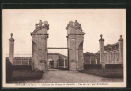 CPA Épégards, La Cour D'honneur Du Château Du Champs De Bataille - France