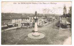 69 - La Demi-Lune - La Place Et L'horloge - France