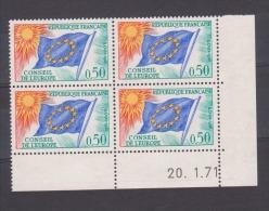 """FRANCE / 1963-1971 / Y&T SERVICE N° 33 ** : Conseil De L'Europe (50c """"drapeau"""" Soleil Jaune) X 4 - Coin Daté 1971 01 20 - Servizio"""