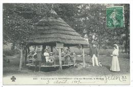 CPA -EXCURSION DE LA BOURBOULE -L' ILE AUX MOUCHES, LE MANEGE -Puy De Dôme (63) -Circulé 1910 -Animée, Chien, Enfants... - La Bourboule
