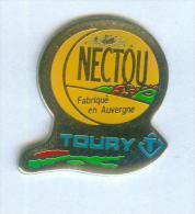 Pin's Fromage NECTOU - Laiterie TOURY - Fabriqué En Auvergne - Arcapea - D008 - Alimentación