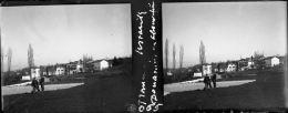 USTARITZ - PYRENEES ATLANTIQUES - PN 065 - Douanniers En Observation - Plaques De Verre