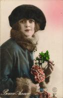 """FEMMES - FRAU - LADY - Jolie Carte Fantaisie Portrait Jeune Femme Avec Bonnet """"Bonne Année"""" - Women"""