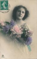 ENFANTS - LITTLE GIRL - MAEDCHEN -  Jolie Carte Fantaisie Portrait Jeune Fille Romantique Et Fleurs - Portraits