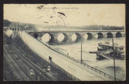 CPA .Dépt. 92. SEVRES.(Pittoresque) La Seine Et Le Pont.: Bateau Bar,Train à Vapeur.(Edt. P. MARMUSE ) - Sevres