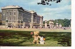 TEDDY EDWARD AND JASMINE VISIT BUCKINGHAM PALACE - Games & Toys