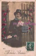 Femme, Factrice, Facteur Lettres, Casquette Telegraphes - Bonne Année -mailwoman, Factor Letters,happy New Year - Poste & Postini