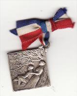 Insigne épinglette Métal Lalique Journée Poilu Guerre 14-18 - 1914-18