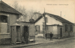 10 TROYES CASERNE SONGIS - Troyes