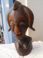 Statuette Africaine En Bois, Hauteur 22 Cm - Art Africain