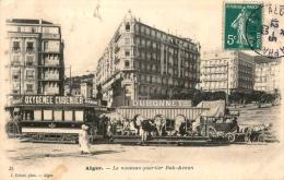 ALGER - ALGERIE - LE NOUVEAU QUARTIER BAB AZOUN - GROS PLAN SUR LE TRAMWAY - UNE DILIGENCE - ANIMATION - Algerien