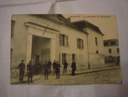 PROVINS  -  QUARTIER DE CAVALERIE - Provins