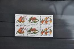 M 298 ++ AUSTRALIA 1982 EUCALYPTUS FLOWERS FLEURS ++ MNH - NEUF - POSTFRIS - 1980-89 Elizabeth II