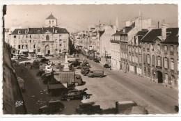 14 - CAEN - Place Saint Sauveur - Camion Et Vieille Voiture - Caen