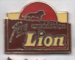 Superbe Pin´s En EGF , Lion , 1ére Expédition , Friandises - Food