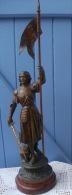 Statue JEANNE D'ARC En Regule, Invoquant DIEU Avant Le Combat - Sculptures