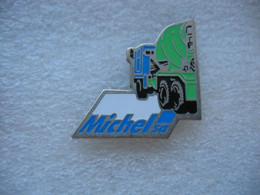 Pin's Des Transports MICHEL SA. Camion Betonniere, Toupie, Ciment - Transportation