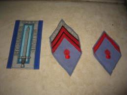 Lot De 3 Ecussons Français Mde 45 - Ecole Interarmes Militaire ; 1 Troupe 1ère Classe Et 1 Troupe Caporal-Chef - Ecussons Tissu
