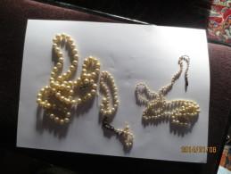 3 COLLIERS DE PERLES Non Nettoyés Dont 2 à Restaurer VOIR PHOTOS - Necklaces/Chains