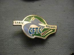Pin´s De La CFTC Santé-Sociaux - Administrations